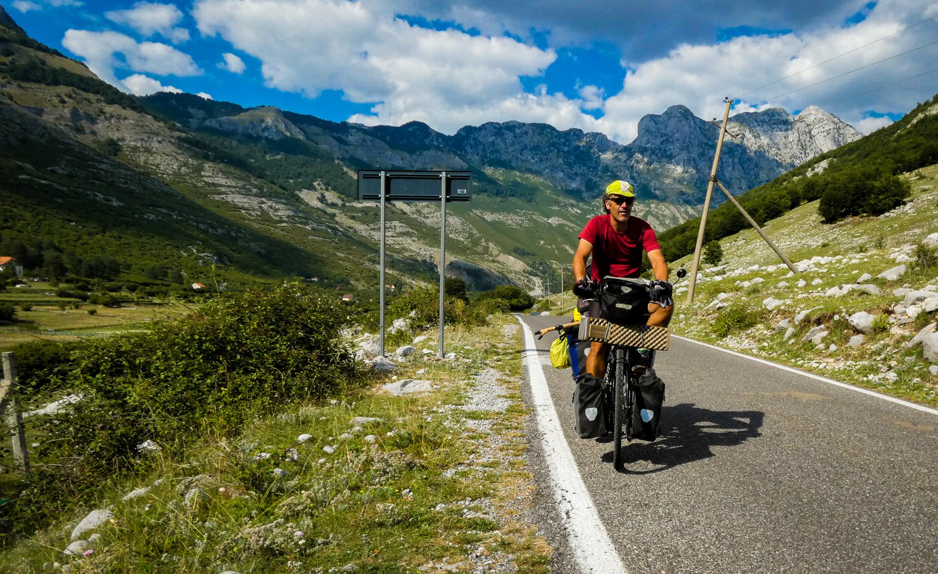 En bicicleta por el norte de Albania